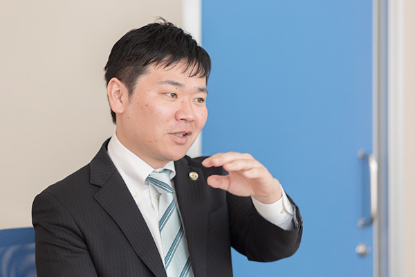 野村弁護士